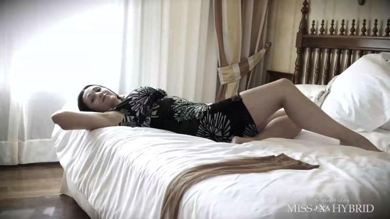 F2015-HotelBedWhiteHeelsReWrite01